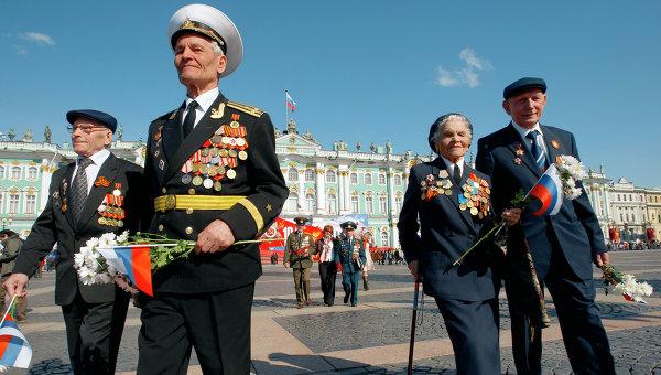 ЗакС Петербурга принял инициативу о выплатах к 75-летию Победы в апреле