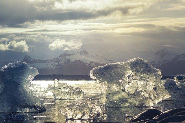 фото ЗакС политика Власти потратят 65 млрд рублей на проведение высокоскоростного интернета в Арктике