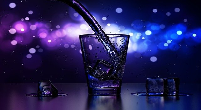 ЗакС выступит за запрет выдачи двух лицензий на одно помещение, торгующее спиртным