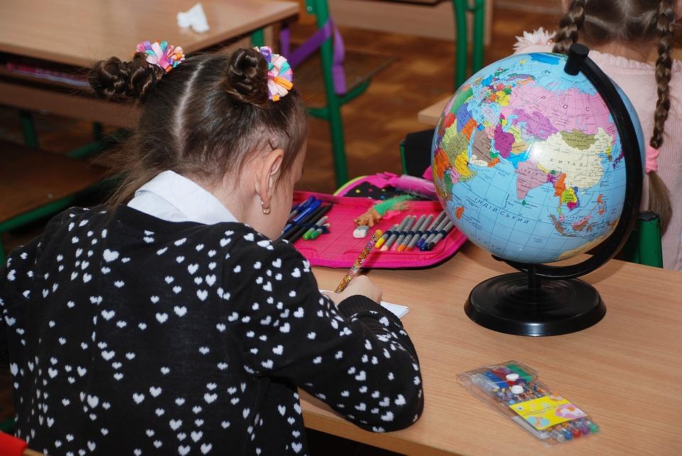фото ЗакС политика Дополнительное образование в Петербурге не будет уходить на карантин
