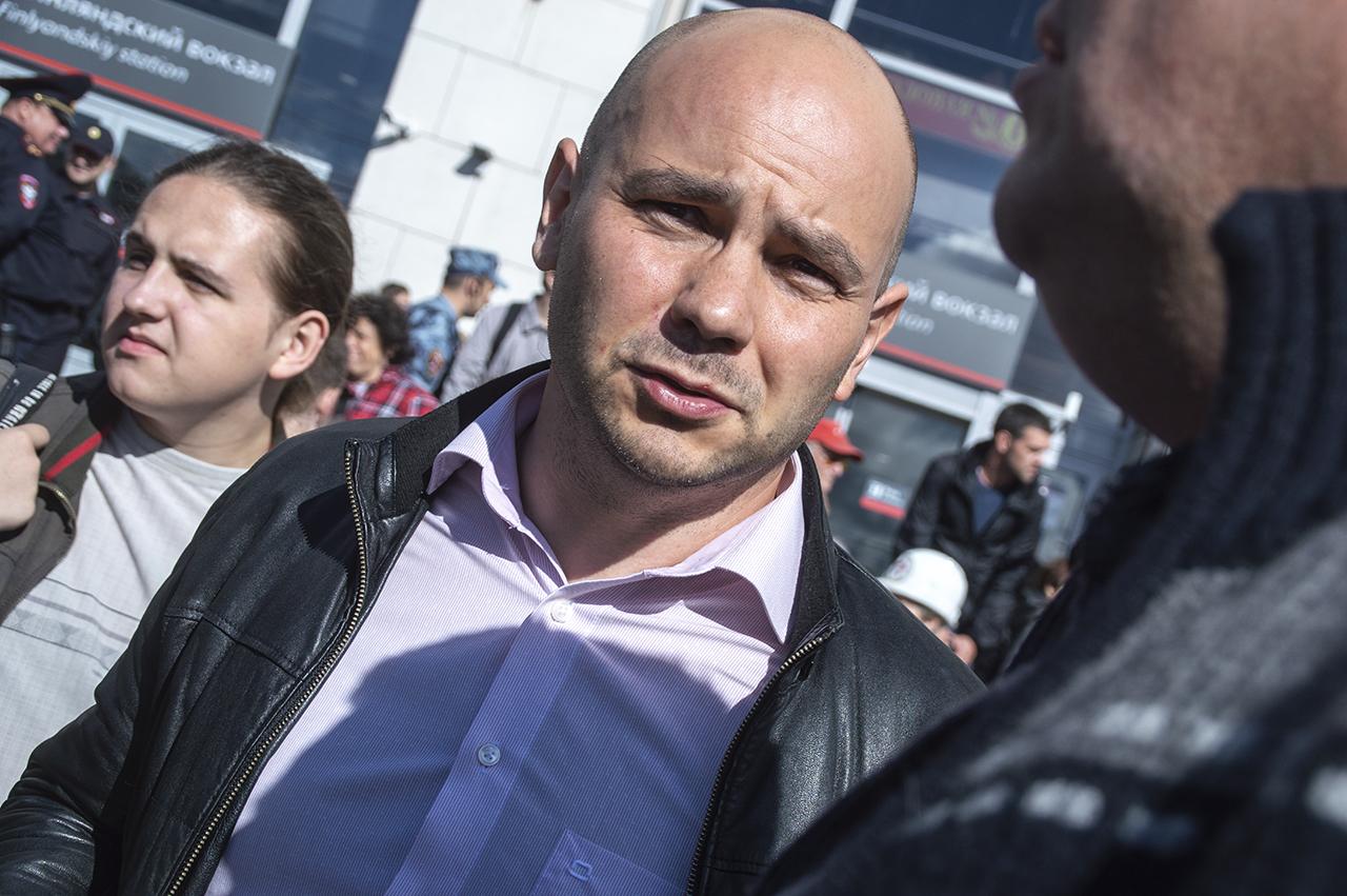 фото ЗакС политика Пивоварову вменили создание помех движению пешеходов во время акции против поправок в Конституции