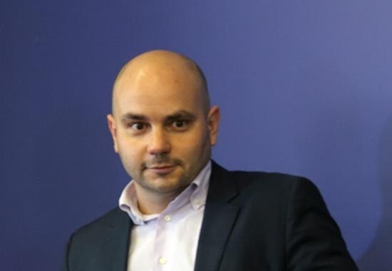 фото ЗакС политика Андрея Пивоварова отправили под арест за пост об акции по сбору подписей против поправок к Конституции