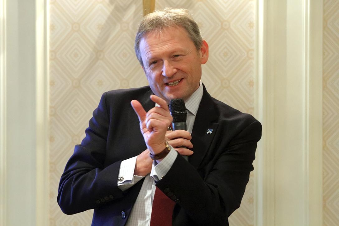 фото ЗакС политика Побывавший на Рубинштейна впервые бизнес-омбудсмен Титов предложил привести в порядок жилой фонд