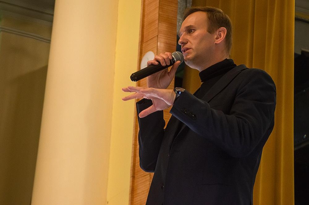 фото ЗакС политика Суд частично удовлетворил иск главы столичного отделения ЕР Метельского к Навальному