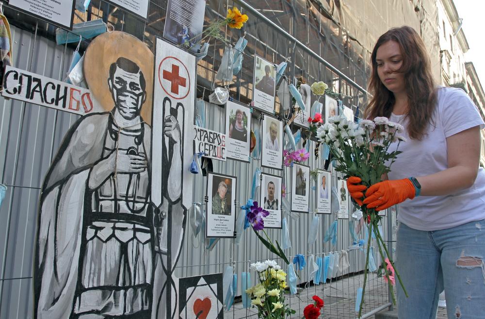 фото ЗакС политика Смольный выделит ещё 418 млн рублей на выплаты медикам, пострадавшим от COVID-19
