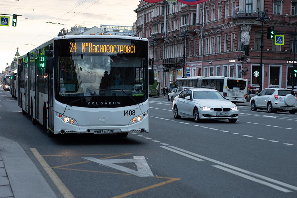 фото ЗакС политика В 2022 году заменят около 2 тысяч петербургских автобусов