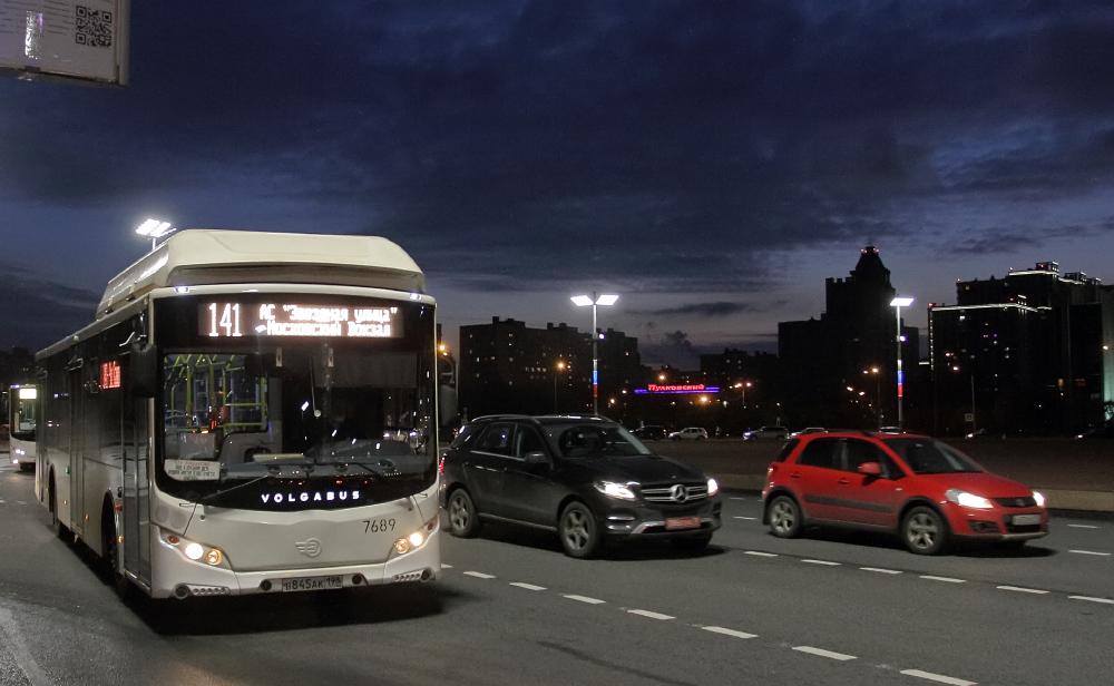 фото ЗакС политика Из-за пришедших в город морозов Беглов призвал усилить контроль за работой транспорта