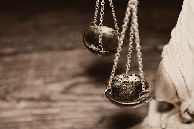 """фото ЗакС политика Суд в Москве отменил домашний арест части фигурантов """"санитарного дела"""""""