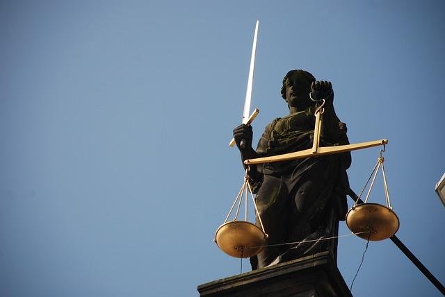 фото ЗакС политика Прокуратура требует заменить штраф на срок в колонии для калининградки за репост о взрыве в Архангельске