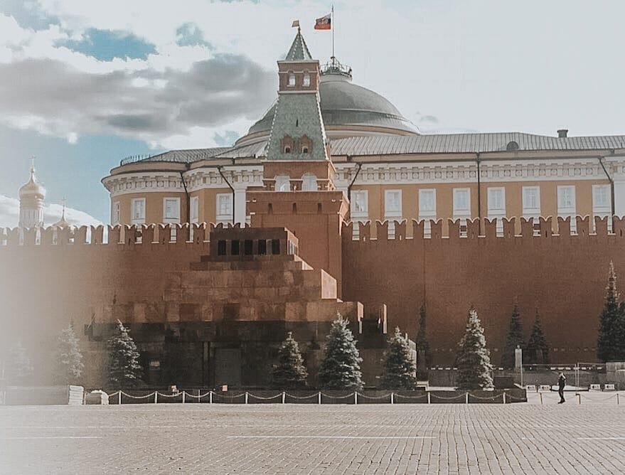 фото ЗакС политика Жириновский призвал убрать все захоронения с Красной площади
