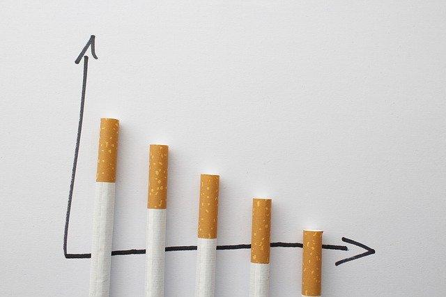фото ЗакС политика Минфин хочет резко увеличить акцизы на сигареты из-за пандемии коронавируса
