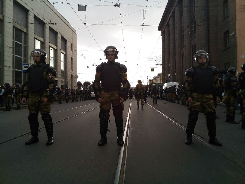 фото ЗакС политика Путин поручил организовать в Росгвардии военно-политическую работу