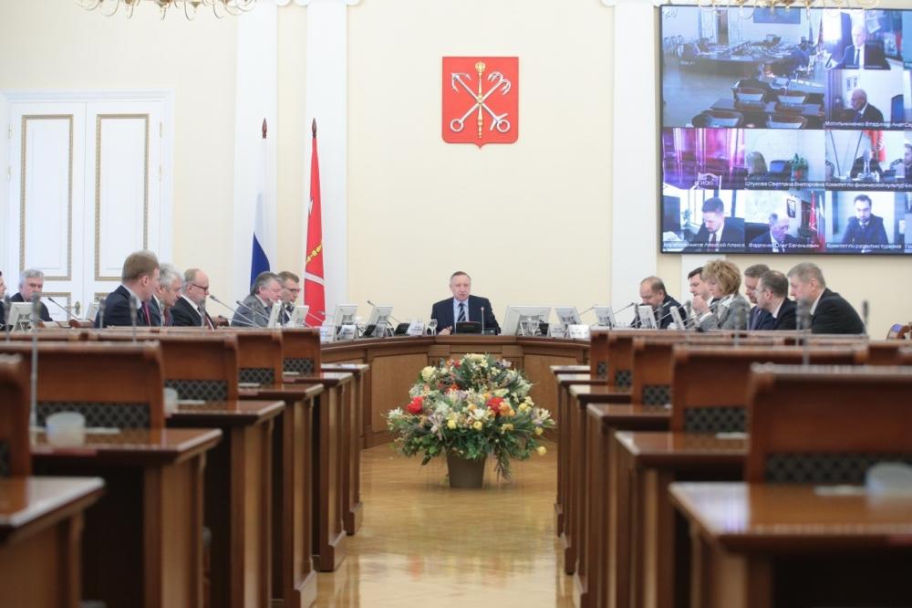 фото ЗакС политика В правительстве Петербурга не останется глав комитетов