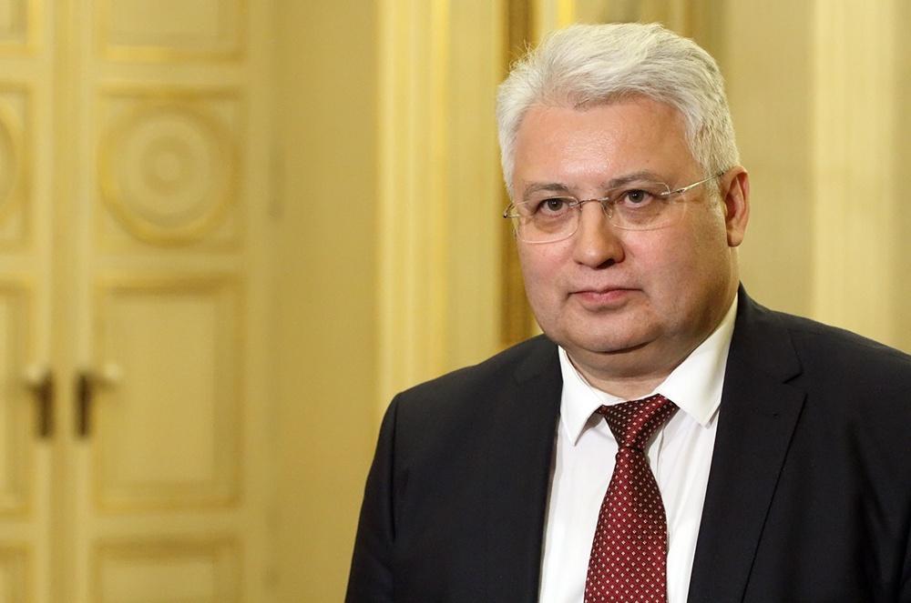 фото ЗакС политика Эргашев: Мы планируем привить всех медицинских работников Петербурга