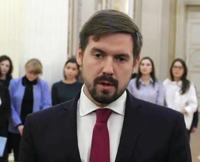фото ЗакС политика Глава комитета финансов увеличил свои доходы до 4,4 млн рублей