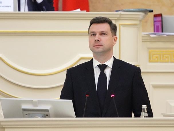 фото ЗакС политика Вице-губернатор Линченко вновь посетил стройку нового больничного корпуса на Народной улице