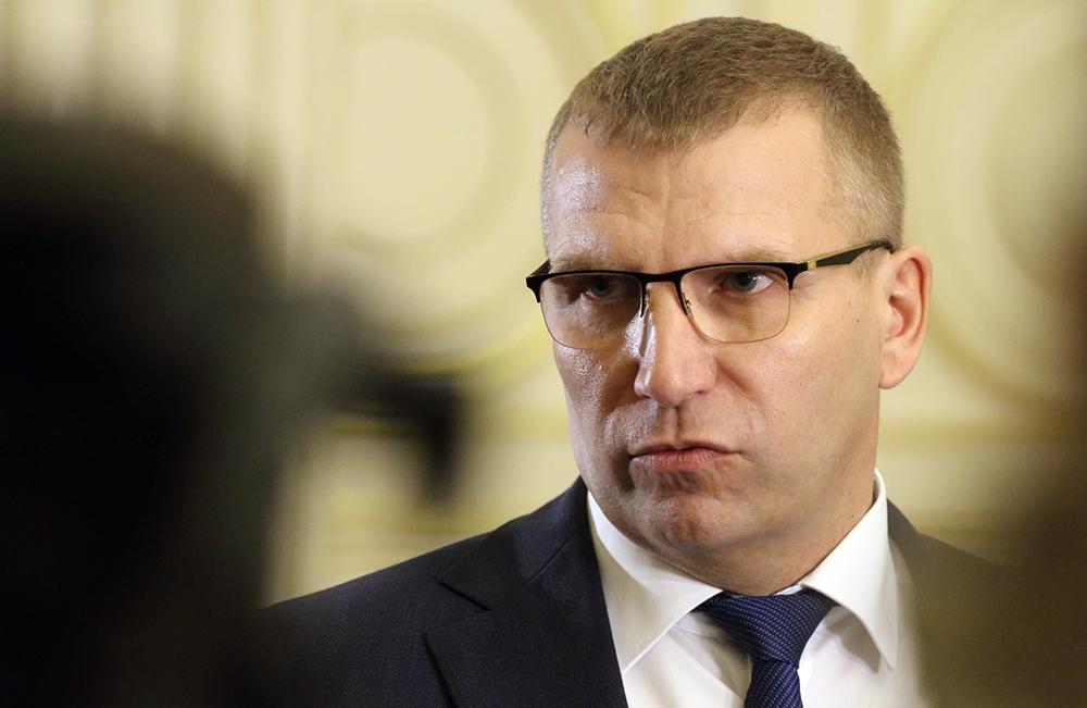 фото ЗакС политика Пикалёв подписался под документом как врио губернатора Петербурга