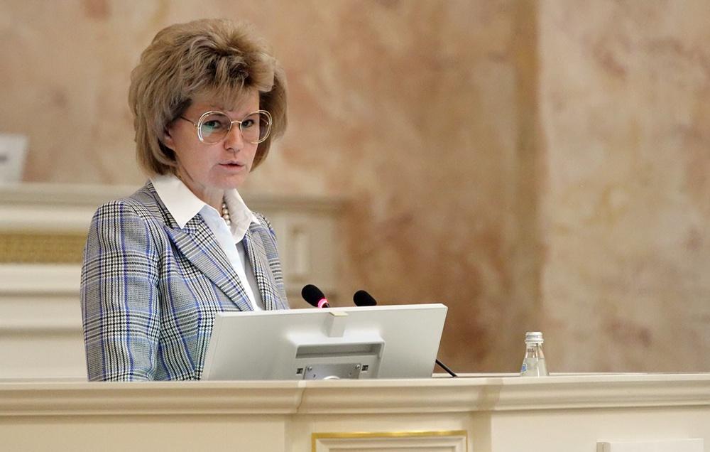 фото ЗакС политика Вице-губернатор Потехина: Не было необходимости заставлять бюджетников регистрироваться на Госуслугах