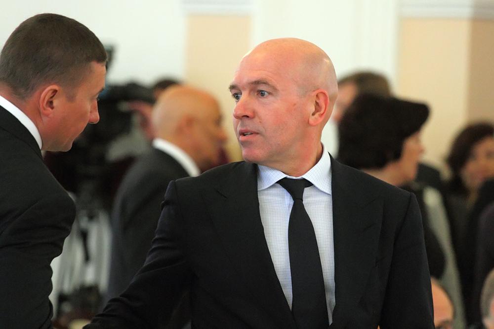 Семья Константина Серова заработала за год 23,8 млн рублей