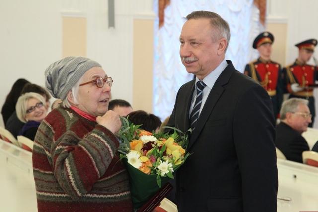 фото ЗакС политика Во время пандемии различные меры поддержки коснулись 2 млн петербуржцев
