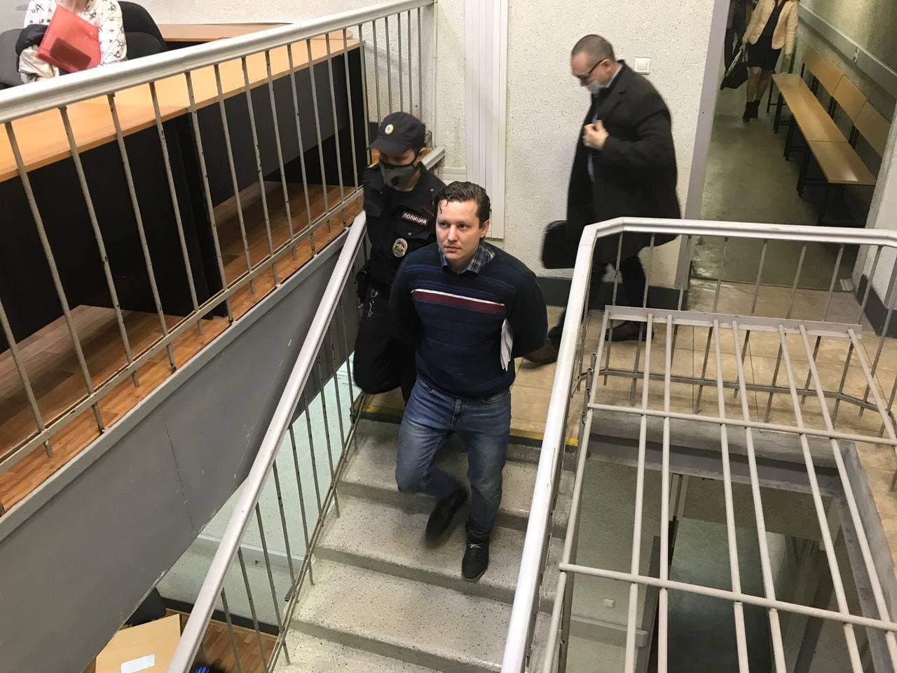 Суд в Петербурге отложил заседание по делу участника акции 23 января о нападении на сотрудников ГИБДД