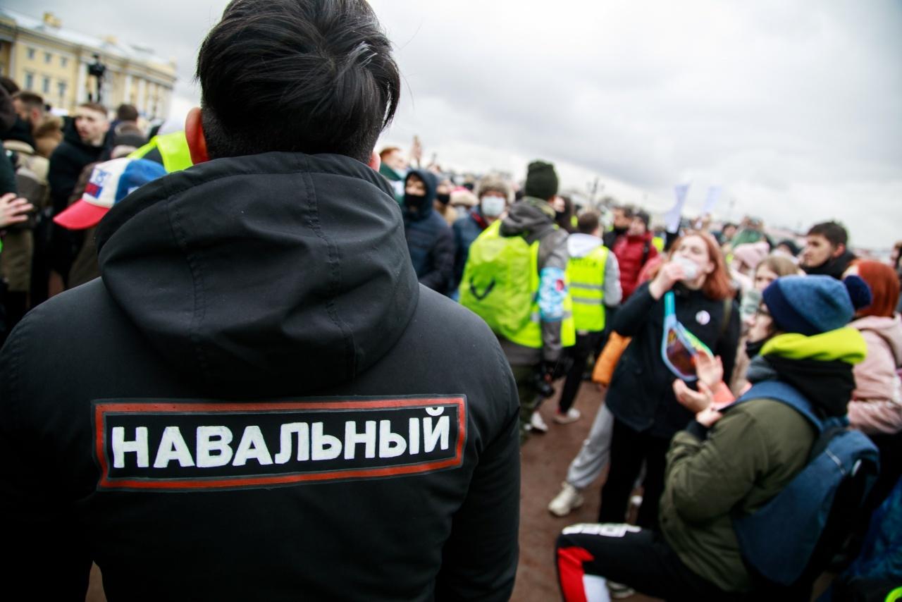 """""""Левада""""*: 72% россиян знают об апрельских протестах в поддержку Навального"""