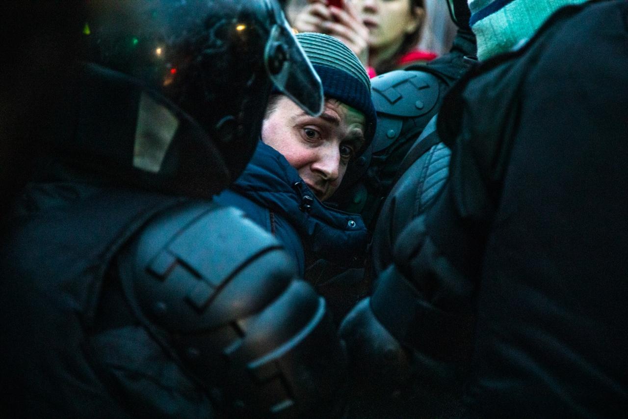 За применение насилия к силовику на митинге 23 января житель Брянска получил 160 тысяч рублей штрафа