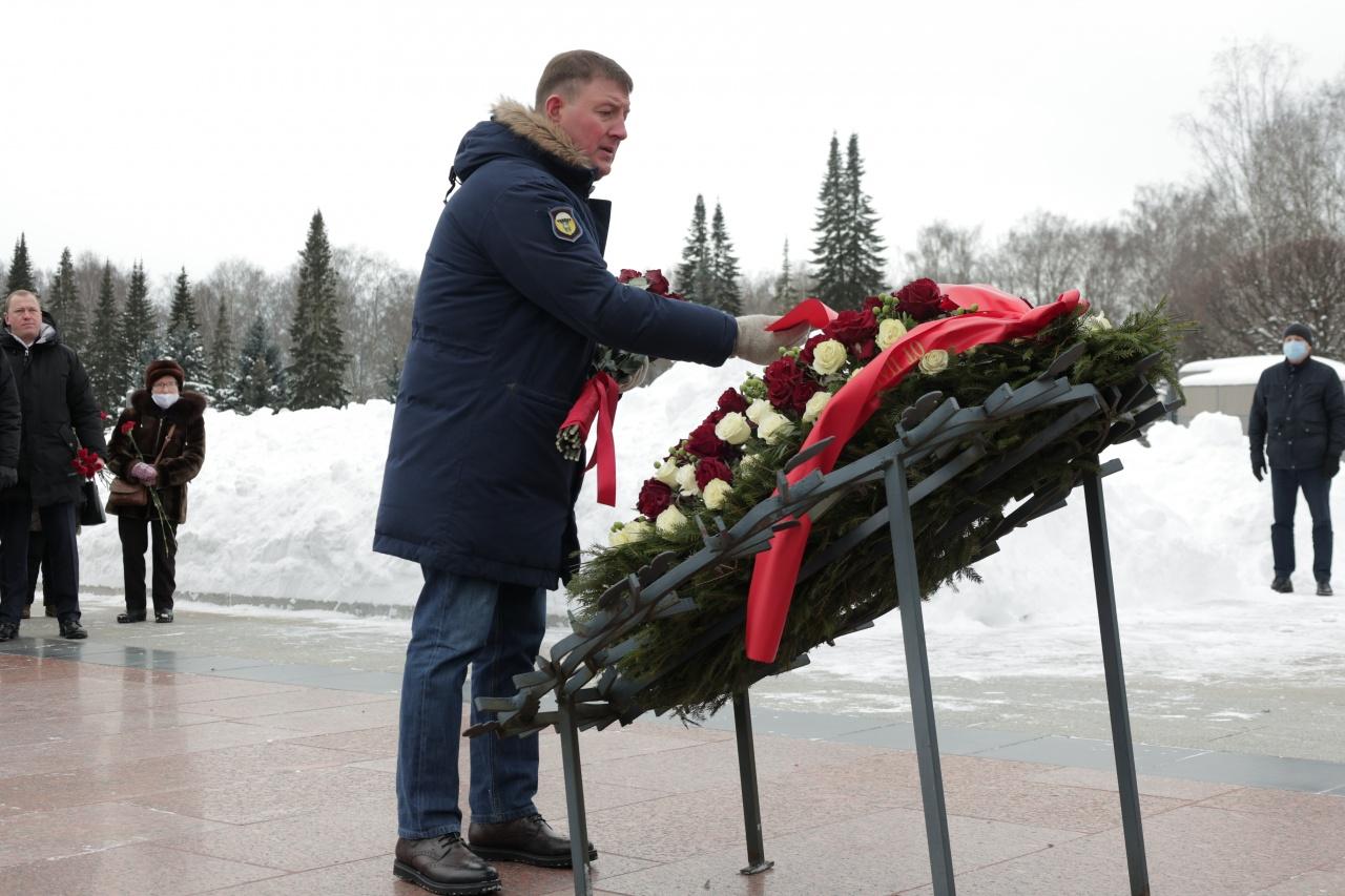 фото ЗакС политика Турчак анонсировал внесение законопроекта о наказании за оскорбление ветеранов