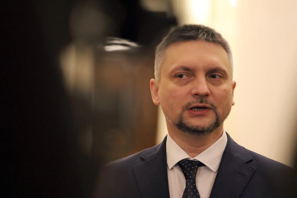 """Цифровому"" вице-губернатору Казарину также поручили огородничество"