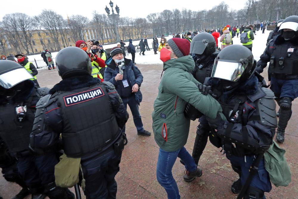 фото ЗакС политика Четыре суда в Петербурге за день арестовали 37 участников субботних протестов