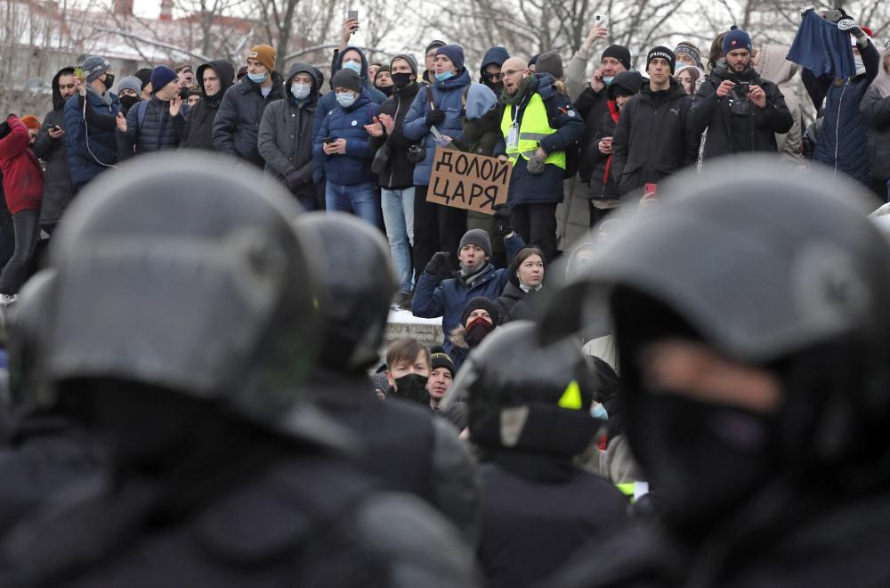 фото ЗакС политика Матери задержанной на петербургском митинге школьницы пригрозили уголовным делом