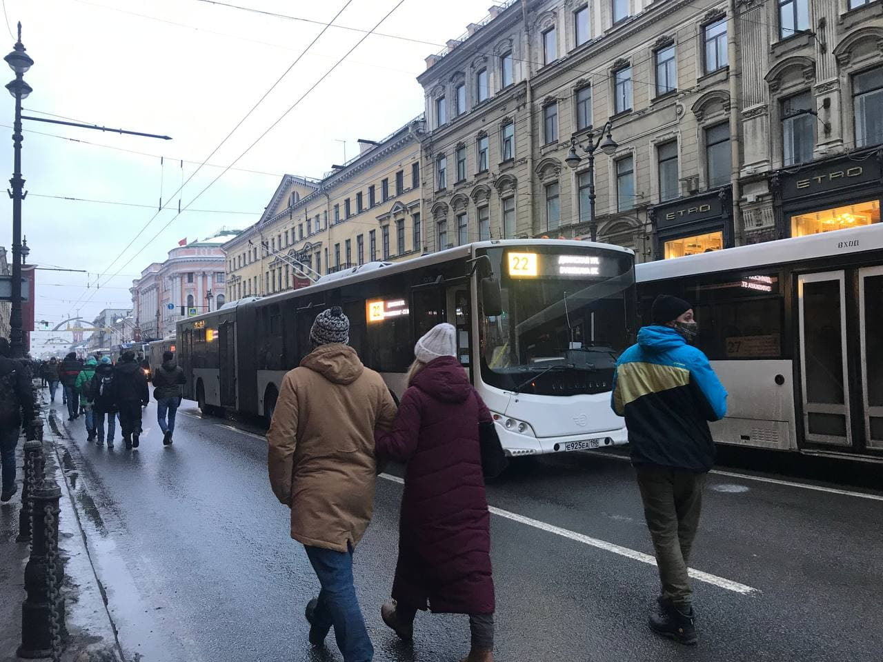 фото ЗакС политика Смольный рассказал о работе транспорта на Невском проспекте во время акции протеста