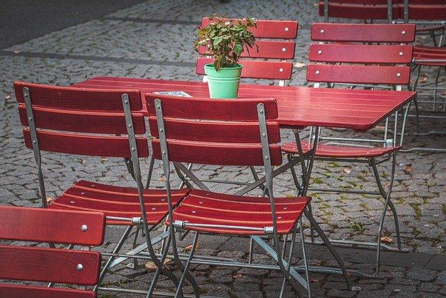 фото ЗакС политика КИО выдал сто разрешений для летних кафе